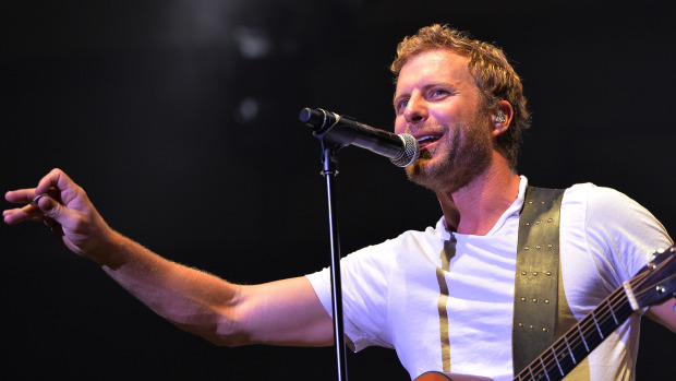 Dierks Bentley Debuts New Video For Drunk On A Plane