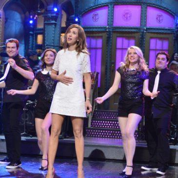 SEE: When SNL Actors Break Character & It's Hilarious!