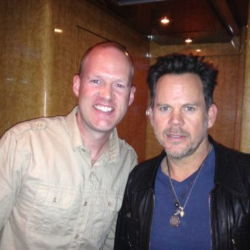 PODCAST: My Chat With Gary Allan On The Bus!
