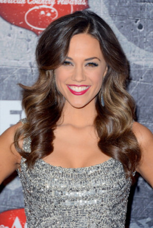 Jana Kramer Calls Drew After Tonight's Show Is Postponed!