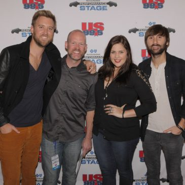"Lady Antebellum Perform A Great Acoustic Version of ""Compass""!"
