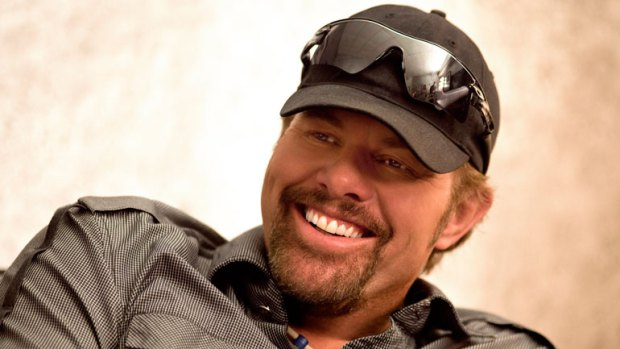Toby Keith Talks Golfing, The Military, Willie Nelson On The Bus & More!